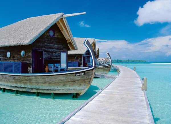 Awesome Boat hotel at Cocoa Island Resort, Maldives