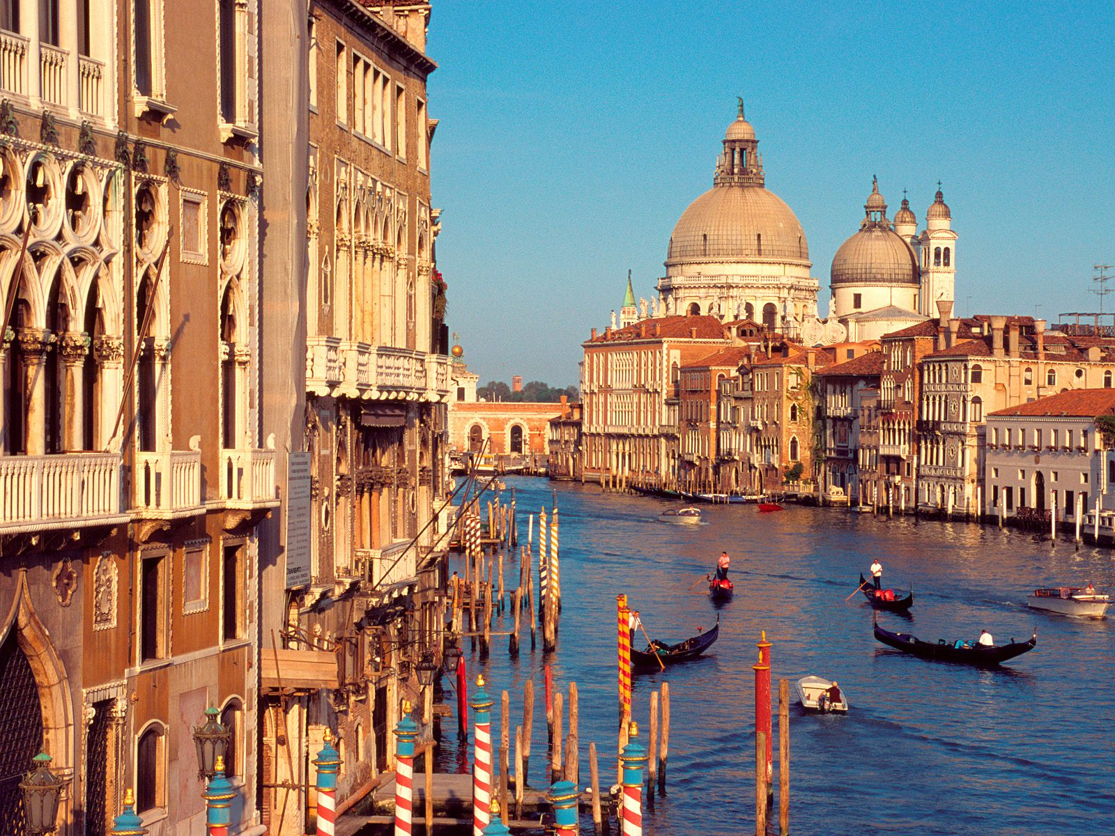 How To Explore Venice