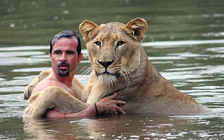 The Real Tarzan - Kevin Richardson