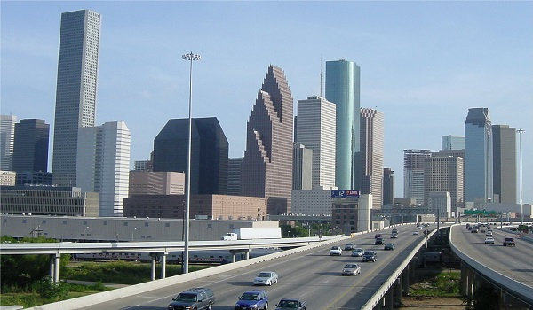 http://www.texasfreeway.com/houston/photos/downtown/downtown_houston_pt0.shtml