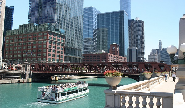 http://www.virtualtourist.com/travel/North_America/United_States_of_America/Illinois/Chicago-777256/TravelGuide-Chicago.html