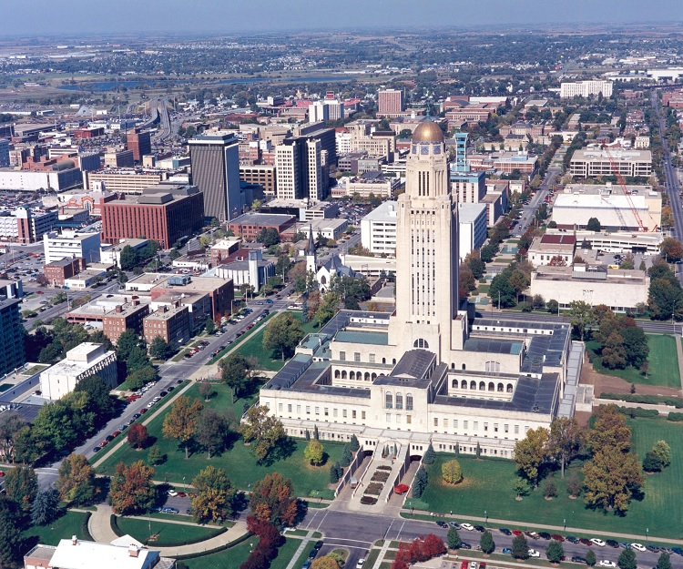 https://commons.wikimedia.org/wiki/File:Picture_of_downtown_Lincoln,NE.jpg